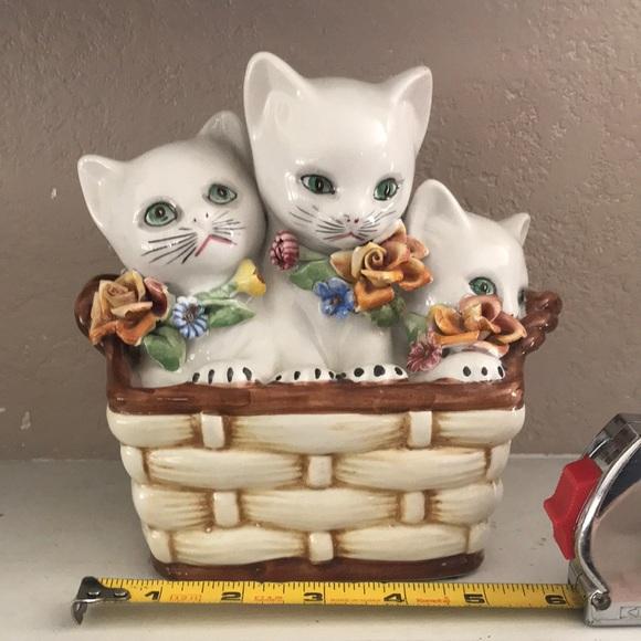 Rare Vintage Ceramic Cats in Basket Figurine Italy